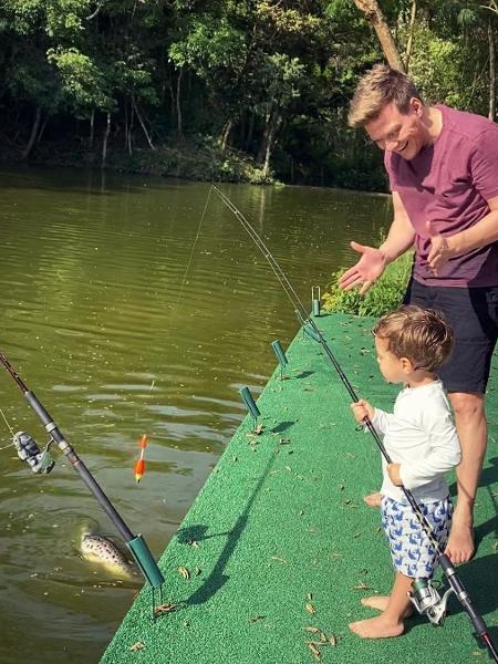Michel Teló ensina o filho a pescar - Reprodução/Instagram