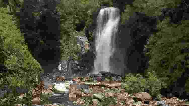 Salto Barba del Viejo, no Parque Aikén del Sur, em Puerto Chacabuco  - Eduardo Vessoni/UOL - Eduardo Vessoni/UOL