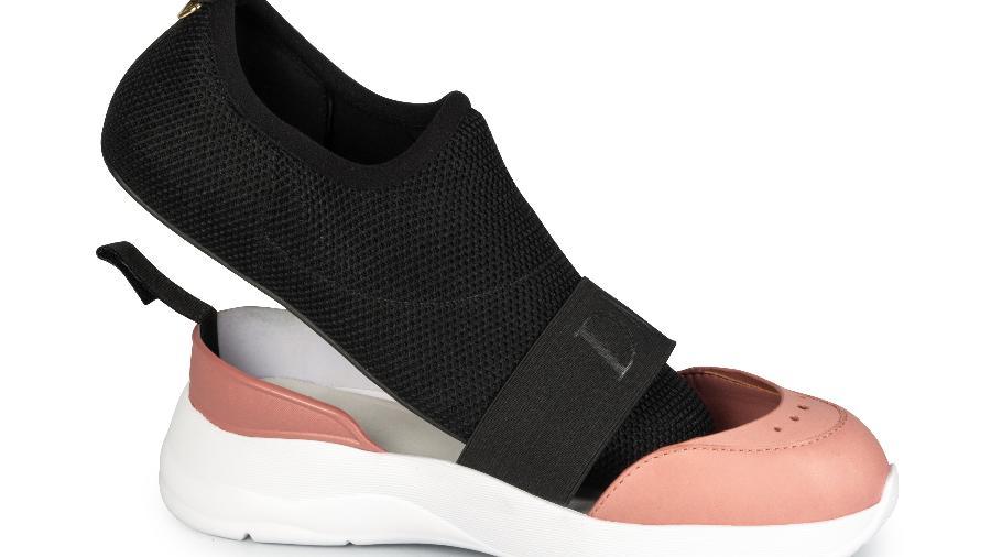 """Calçados têm parte interna destacável, que pode ser usada como """"meia"""" dentro de casa - Divulgação/Capodarte e Dumond"""