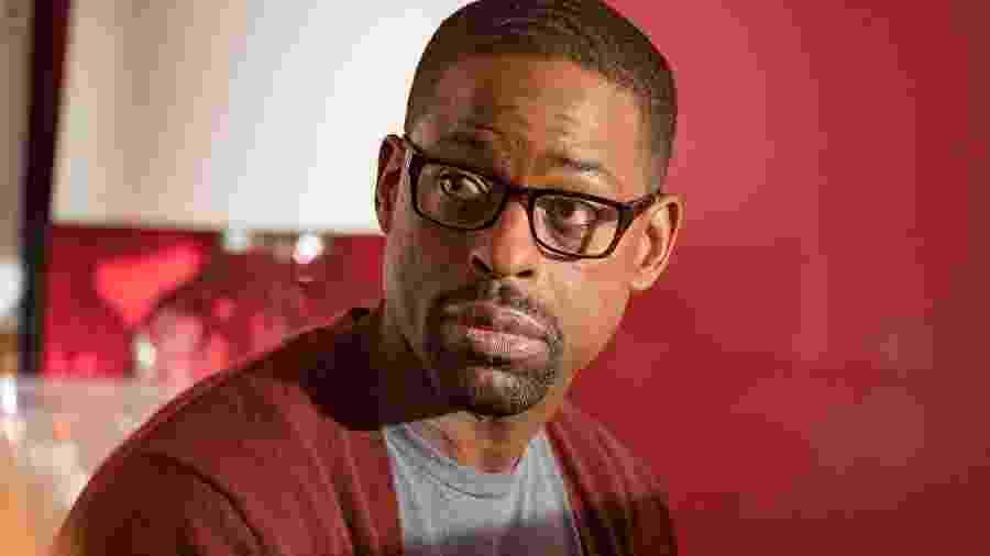 """Sterling K. Brown como Randall Pearson em """"This is Us"""" - Reprodução"""