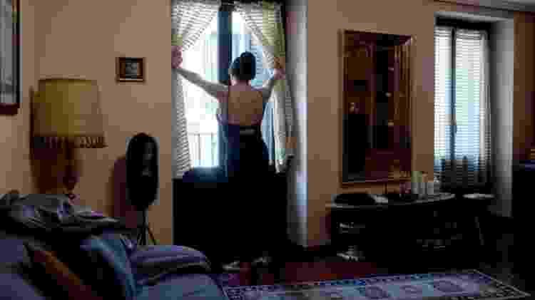 É comum que profissionais do sexo em clubes acabem morando em suas salas de trabalho - Getty Images - Getty Images