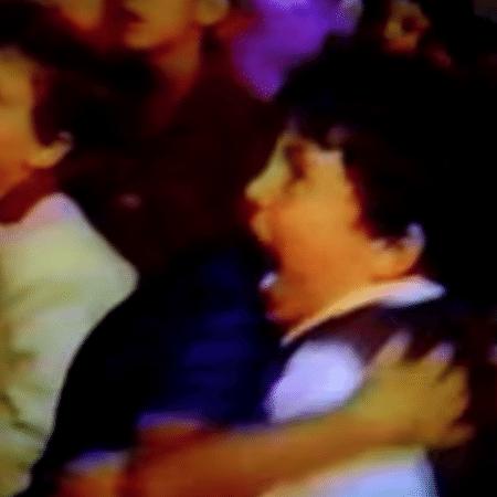 Menino do banquinho: a videocassetada mais pedida da história - Reprodução/ YouTbe