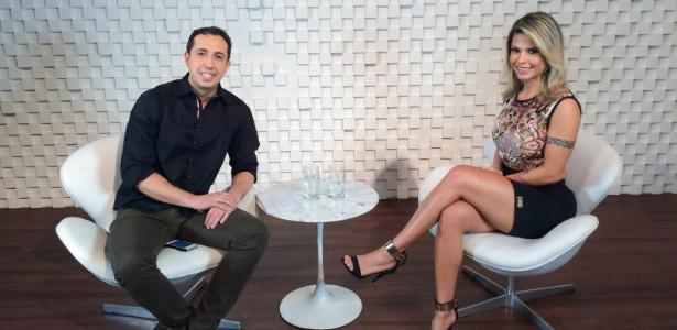 """Ex-BBB Cacau Colucci fala sobre o tratamento contra um câncer em entrevista para o programa """"Tá Sabendo?"""", da RedeTV! - Divulgação RedeTV!"""