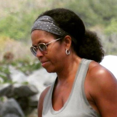 Michelle Obama apareceu com os fios ao natural - Reprodução/Twitter