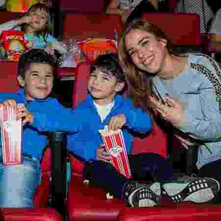 Wanessa Camargo posa com os filhos, José Marcus e João Francisco, em São Paulo - Manuela Scarpa/Brazil News