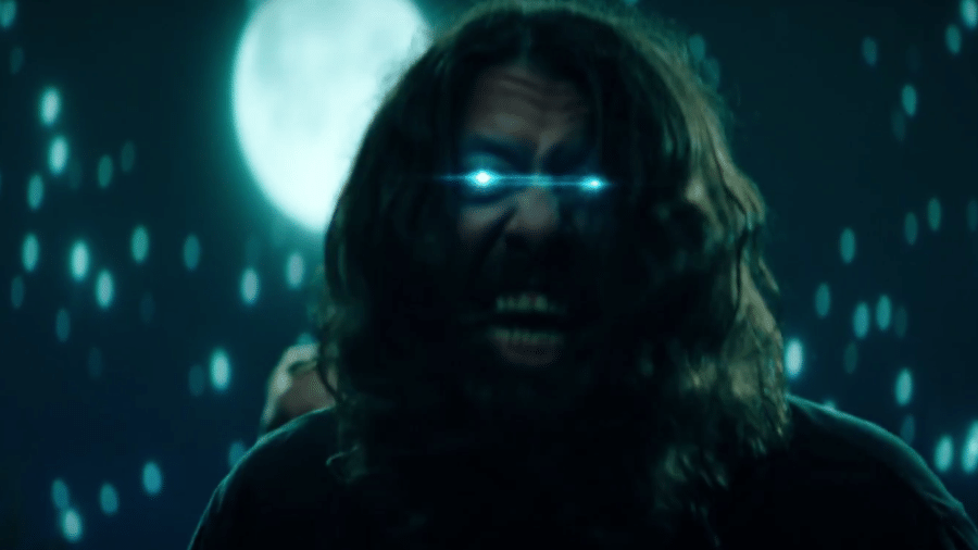 """Dave Grohl, do Foo Fighters, em clipe de """"The Sky Is A Neighborhood"""" - Reprodução"""