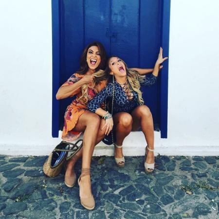 Juliana Paes (Bibi) e Carla Diaz (Carine) - Reprodução/Instagram