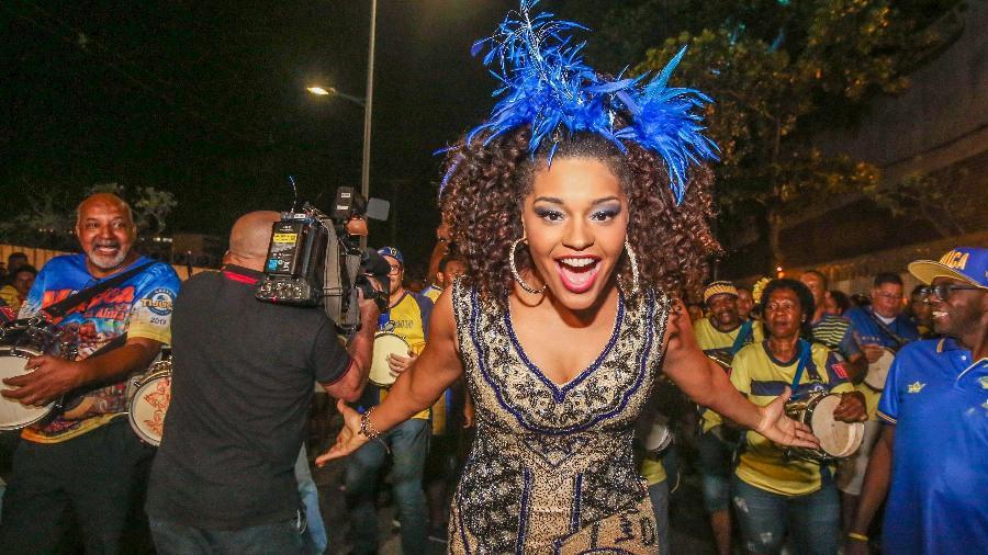 Juliana Alves em ensaio técnico da escola de samba da Unidos da Tijuca no centro do Rio de Janeiro. - Marco Antonio Teixeira/ UOL