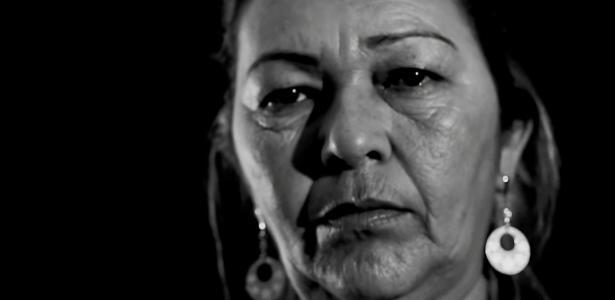 """Vera Lucia no clipe de """"Chapa"""", canção do rapper Emicida sobre violência policial"""