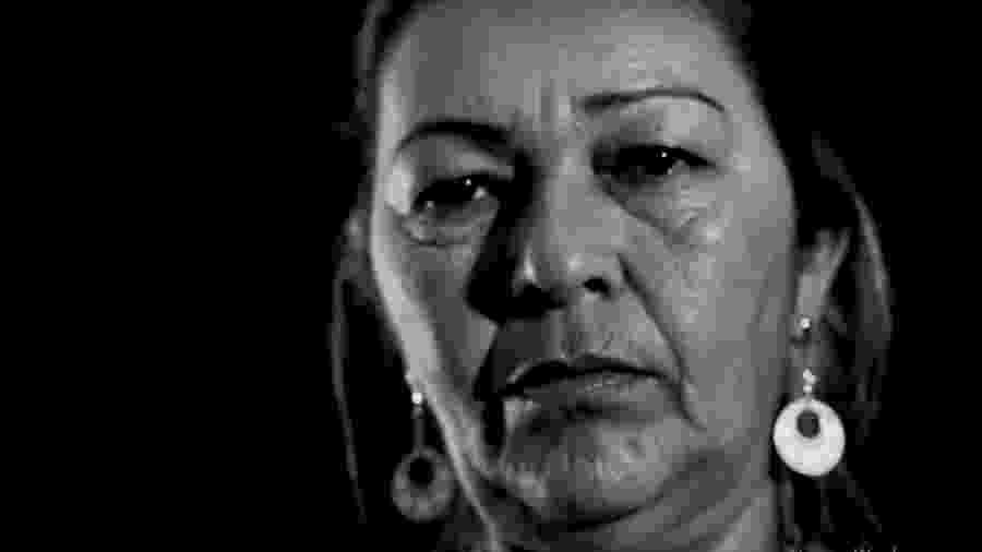 """Vera Lucia no clipe de """"Chapa"""", canção do rapper Emicida sobre violência policial - Reprodução/YouTube"""