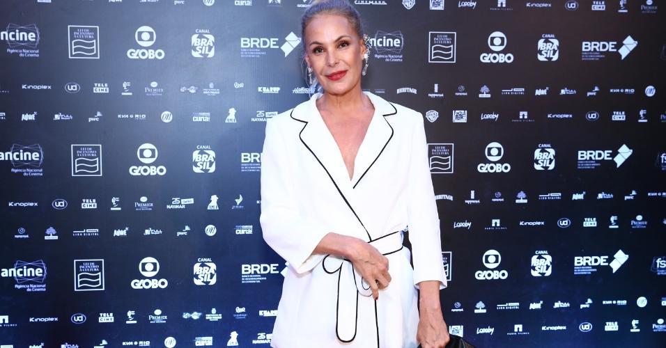 """Carolina Ferraz prestigia Grande Prêmio de Cinema Brasileiro 2018"""", nesta terça (18) no Rio"""
