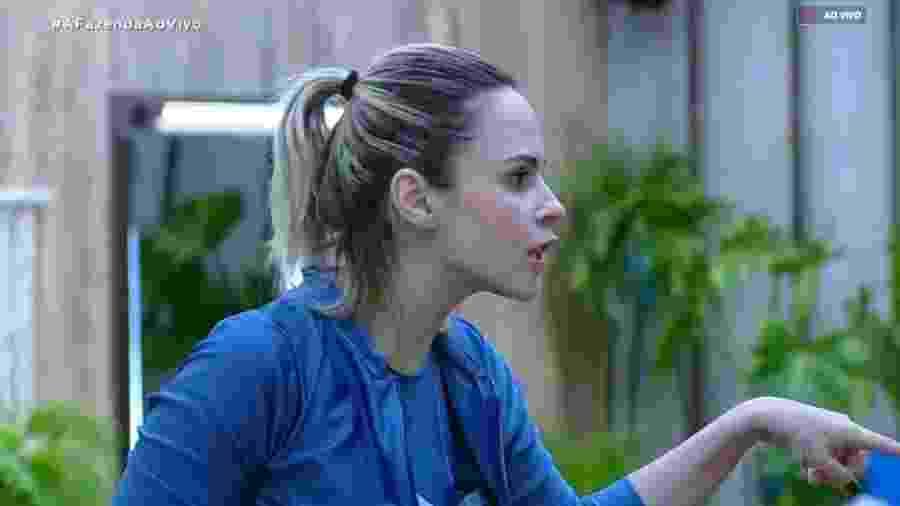 Ana Paula Renault discute com Evandro Santo  - Reprodução/RecordTV