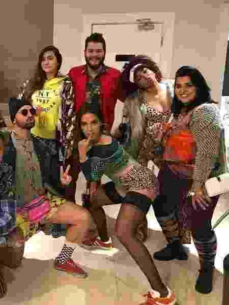 De vez em quando, Anitta e seus amigos de Honório Gurgel saem para dançar - Reprodução/Instagram/@deboragmoura - Reprodução/Instagram/@deboragmoura