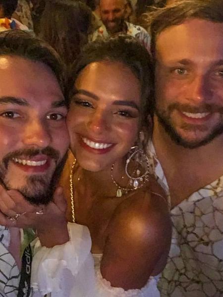 Bruna Marquezine com amigos em Fernando de Noronha - Reprodução/Instagram
