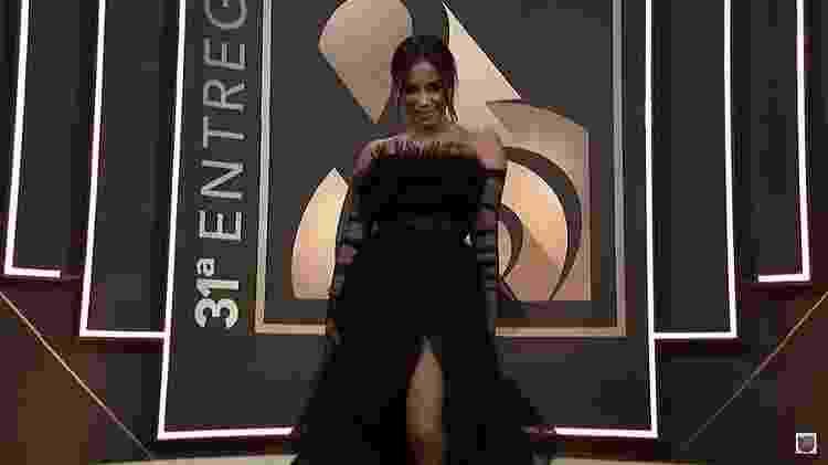 Anitta posa no tapete vermelho do prêmio Lo Nuestro - Reprodução/YouTube/Univision - Reprodução/YouTube/Univision
