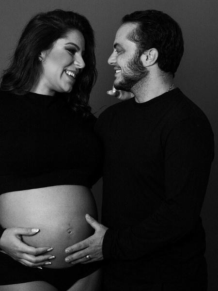 Thammy Miranda posta foto com a mulher grávida - Reprodução/Instagram