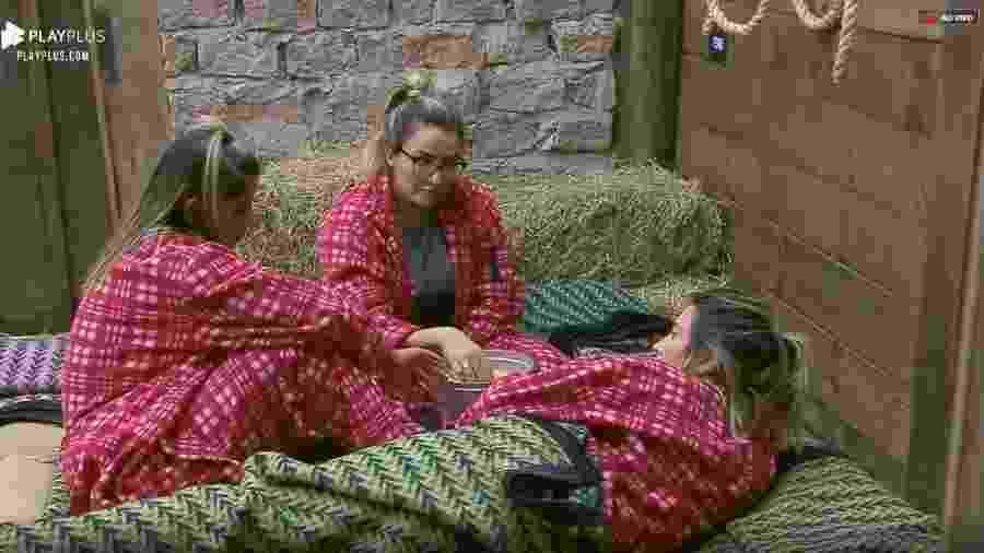 Hariany, Tati e Thayse falam sobre relacionamento entre Sabrina e Rodrigo - Reprodução/PlayPlus