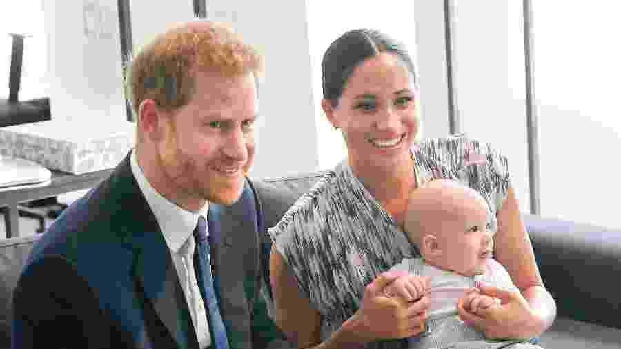Meghan e Harry posam com Archie durante turnê pela África do Sul, em setembro, quando ele tinha apenas 4 meses - Getty Images
