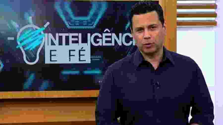 """Renato Cardoso apresenta o programa """"Inteligência e Fé"""", produzido pela Igreja Universal, exibido na Record TV - Reprodução"""