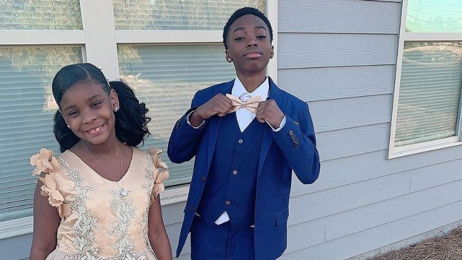 Irmão mais velho substitui o pai na dança com a irmã - Reprodução / Facebook