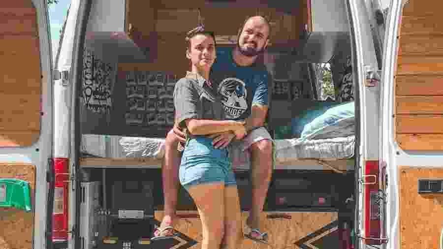 Luis Queiros e Elka Albuquerque, casal que trocou o escritório pelo road office - Reprodução/Instagram