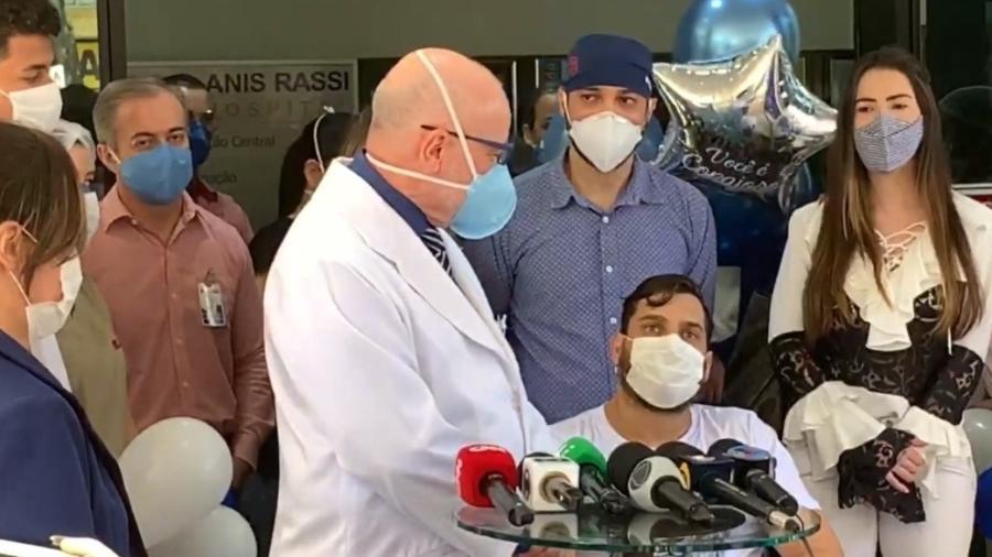 Cauan recebe alta do hospital  - Reprodução/CNN