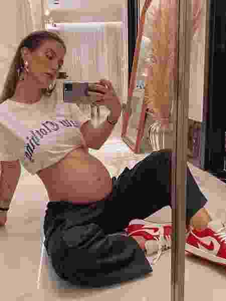 Gabi Brandt mostra barriga de gravidez  - Reprodução/Instagram