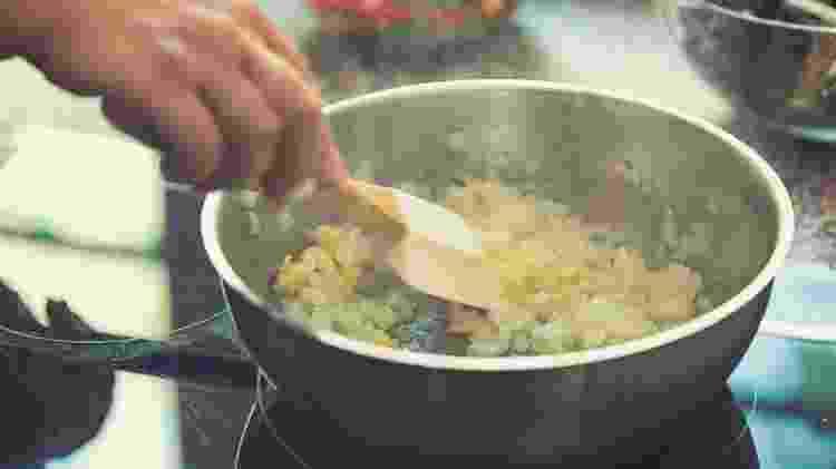 Refogado de alho e cebola: pontapé para outras preparações - Getty Images - Getty Images