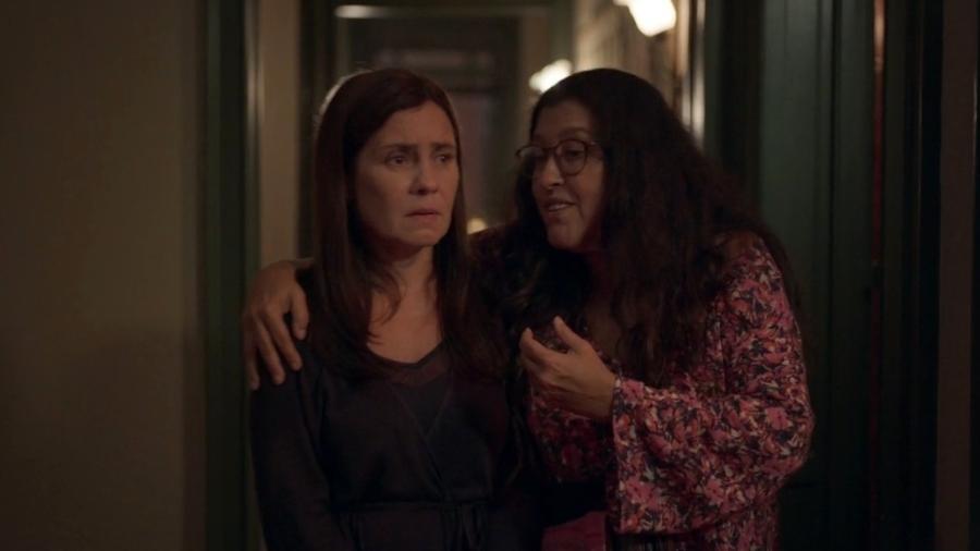 """Thelma (Adriana Esteves) e Lurdes (Regina Casé) se encontram sem máscaras em """"Amor de mãe"""" - Reprodução/Globo"""