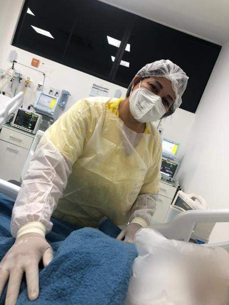A técnica de enfermagem alagoana Flávia Fernanda Fernandes, 32, de Maceió, trabalha em UTI - Arquivo pessoal