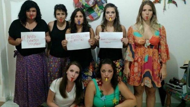 Campanha Apito Contra o Assédio distribui apitos para mulheres nos blocos de São Luiz do Paraitinga