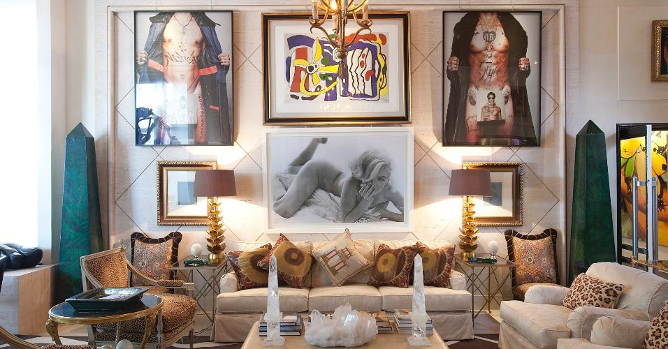 Casa Cor SP 2011 - O arquiteto Jorge Elias criou o Living da Casa Cor 2011. O ambiente foi inspirado nos anos 40 e na própria arquitetura do Jockey Club e ocupa 90m². A exposição fica em cartaz no Jockey Club de São Paulo de 24 de maio a 12 de julho de 2011 (24/05/2011)