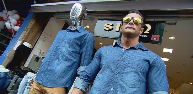 Marcos Oliver ganha R$ 200 fazendo trabalho de vitrine viva em loja de SP - Divulgação/TV Record