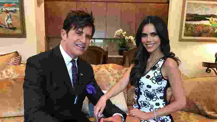 """Dr. Rey com Daniela Albuquerque no programa """"Sensacional"""" - Reprodução/RedeTV"""