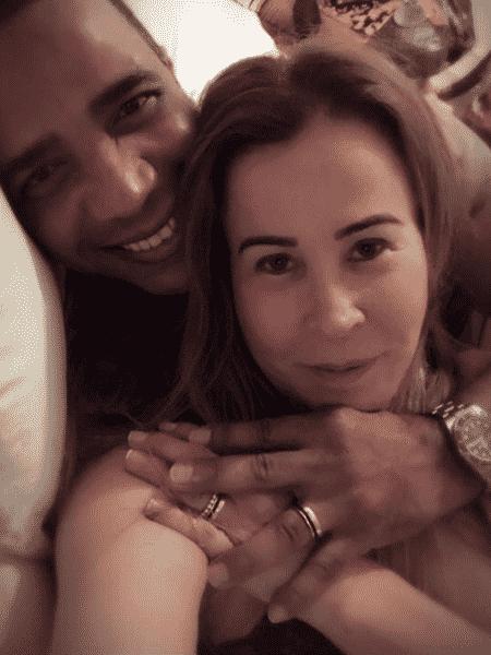 Zilu Camargo e o noivo mostraram as alianças no início de novembro - Reprodução/Instagram/zilucamargooficial - Reprodução/Instagram/zilucamargooficial