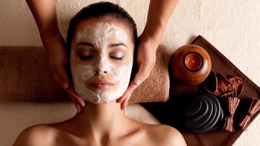 Conheça as propriedades da máscara com pó de pérola e fios de seda - Getty Images