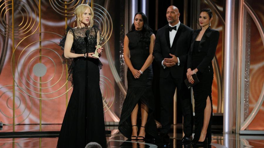 """Nicole Kidman recebe seu Globo de Ouro de melhor atriz de minissérie por """"Big Little Lies"""" - Getty Images"""