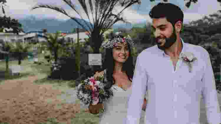 Natacha durante seu casamento na praia - Ale Bigliazzi/Divulgação - Ale Bigliazzi/Divulgação