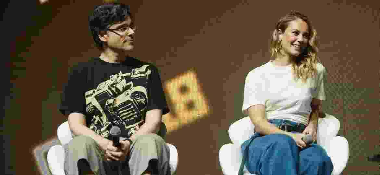 Guilherme Briggs e Paolla Oliveira durante painel da CCXP - Iwi Onodera/UOL