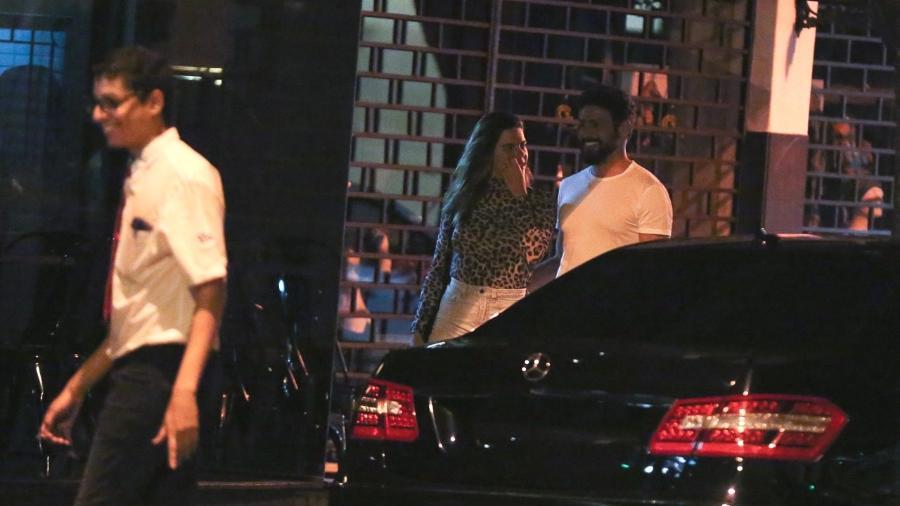 Cauã Reymond e Mariana Goldfarb passeiam no Rio de Janeiro - Thiago Martins/AgNews