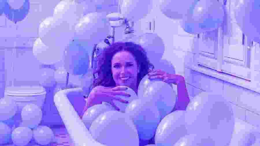 """Daniela Mercury em cena do clipe """"Proibido o Carnaval"""", lançado na terça-feira (5) - Divulgação"""