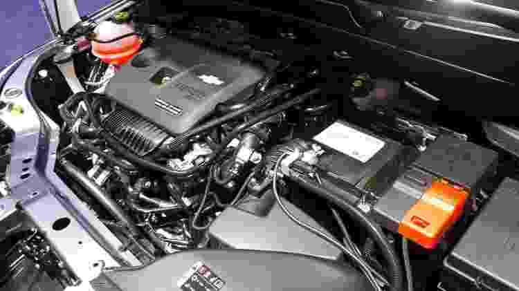 Motor do carro exibido em Xangai não deixa dúvida: Onix terá motor turbo de 3 cilindros, Brasil inclusive - Vitor Matsubara/UOL