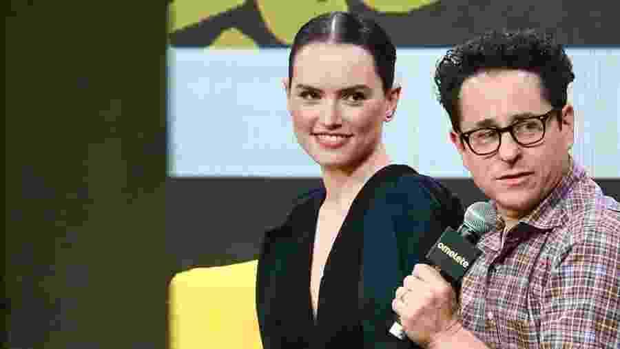 Daisy Ridley e J.J. Abrams no painel de Star Wars na CCXP19 - Iwi Onodera/UOL