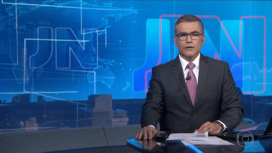 """Jornal Nacional afirmando o que """"o ministro da Saúde encontrou uma maneira de agradar o presidente"""" - Reprodução/Globo"""
