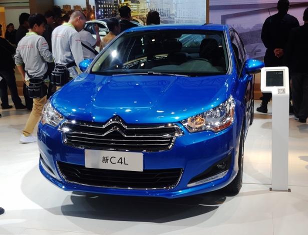 Rival de Toyota Corolla, Citroën C4 Lounge completará três anos de vida no Brasil em junho; momento é mais do que propício para uma arejada no produto - Leonardo Felix/UOL