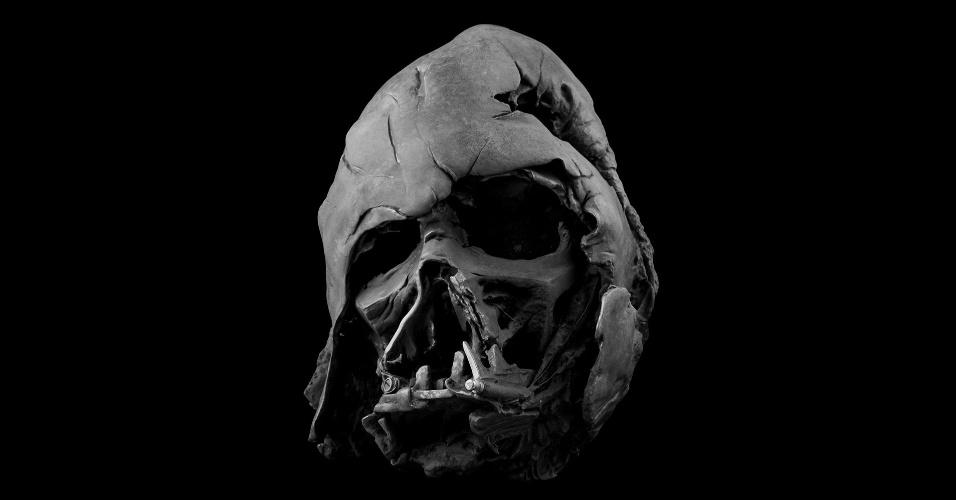Item mais caro da coleção, elmo destruído de Darth Vader sai por US$ 3.500 e é limitado em 500 unidades
