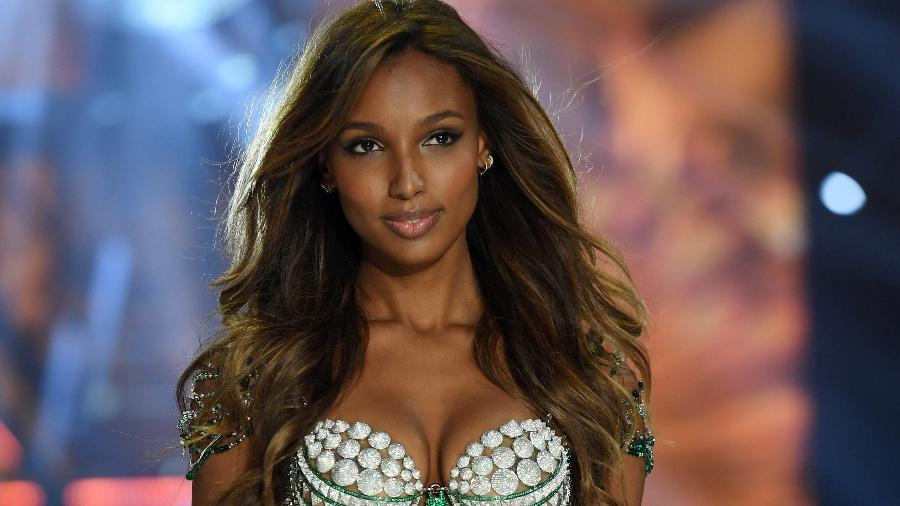 "Jasmine Tookes desfilando no Victoria""s Secret Fashion Show 2016 - Getty Images"
