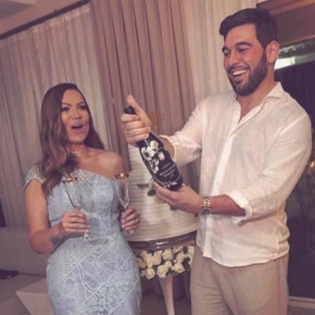 Solange Almeida se casa com Leandro Adriani em cerimônia surpresa - Reprodução/Instagram