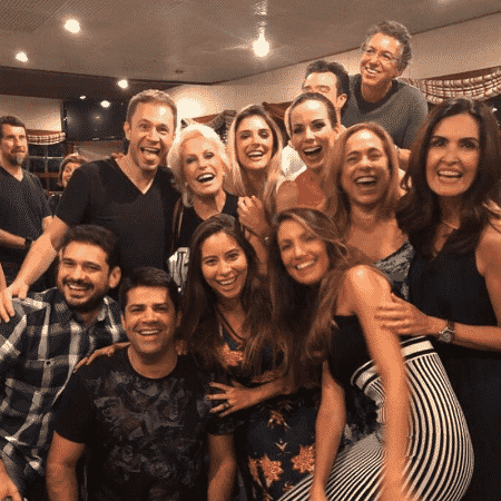 Boninho recebe apresentadores em festa  - Reprodução/Instagram/anamaria16