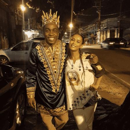 Lázaro Ramos e Tais Araújo durante desfile da Império Ricardense - Reprodução/Instagram/olazaroramos